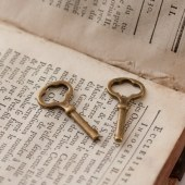 breloque clé vintage